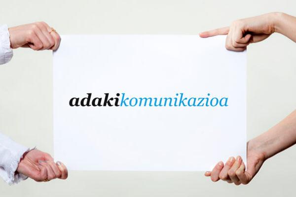 Imagen corporativa de adaki