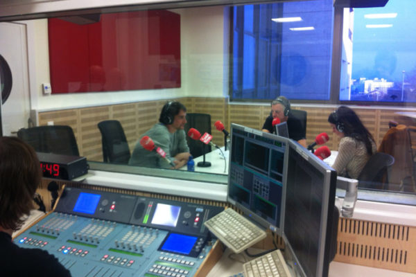 Andoni asiste a Euskadi Irratia